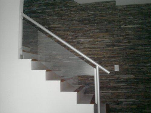 Fotos de protecciones de balcones y piletas barandas para - Pasamanos de cristal para escaleras ...