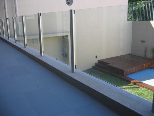 Fotos de protecciones de balcones y piletas barandas para - Cristales para balcones ...